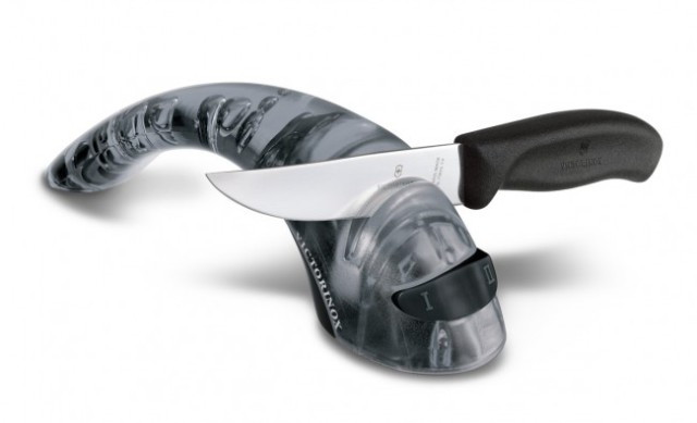 Точилка механическая для заточки ножей Victorinox 7.8721.3