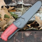 Купить нож Morakniv Basic углеродистая сталь, пласт. ручка (красный), арт. 12147 дешево